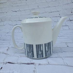 ALFRED CLOUGH LTD  English Tea Pot